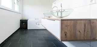 badezimmer schiefer schieferfliesen im badezimmer stonenaturelle