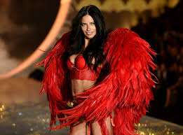 adriana lima u0027s sexiest victoria u0027s secret moments popsugar latina