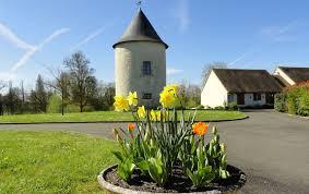 chambre d hote insolite belgique la tour levoy et ses chambres d hôtes insolite et classique pontlevoy