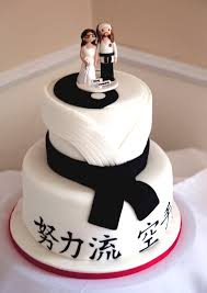 themed wedding cake toppers karate themed wedding cake and cake topper food
