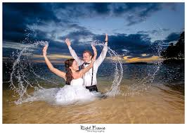 oahu photographers wedding photographers in oahu hawaii beata by right frame