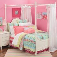 another little canopy bed little girls canopy bed dyi
