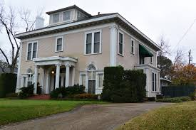 teegee essays the big colonial revival houses i