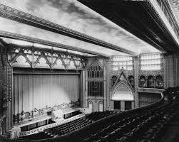 38 pictures showing how british cinemas have changed in the past