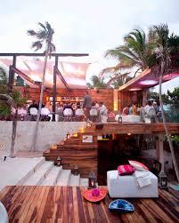 destination wedding etiquette dos and don u0027ts martha stewart weddings