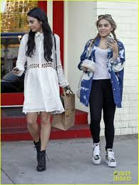 what to wear to halloween horror nights vanessa hudgens halloween horror nights with ashley tisdale