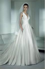 best wedding dresses 2011 the best wedding dresses for pear shaped figures preowned