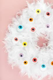 diy cartoon eyeball halloween wreath dream green diy