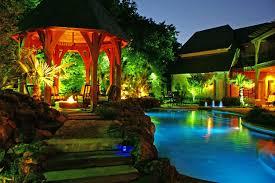 pool at night harold leidner landscape architects dallas tx