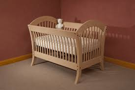 look out for safety when buying cribs for baby home decor and