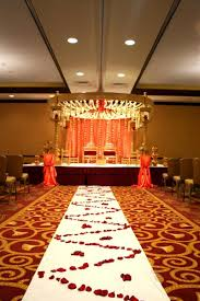 Wedding Venues Milwaukee Crowne Plaza Milwaukee West Weddings Get Prices For Wedding Venues