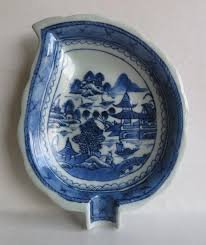 canton porcelain 19th century export leaf dish canton blue and white