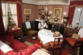 man spends 6 years turning cottage into victorian time capsule