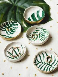 acrylic dish ring holder images Make diy trinket dishes with tropical leaves jpg