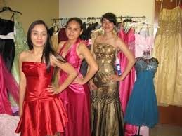 prom dress giveaway offers students unique u0027boutique u0027 experience