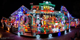 dyker heights brooklyn christmas lights dyker heights christmas spectacular 2014 bigger brighter than