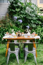 an easy affordable outdoor summer brunch emily henderson