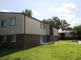 One Bedroom Apartments In Carbondale Il Brookside Apartments 1200 East Grand Ave Carbondale Il Rentcafé