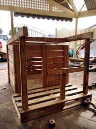 Build A Frame House Pallet Dog House With Veranda Diy 101 Pallet Ideas