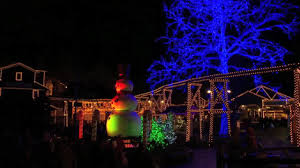 October Decorations Dollywood Starts Christmas Preparations In July Wate 6 On Your Side