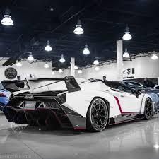Lamborghini Veneno Back - lamborghini veneno roadster madwhips