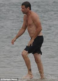 shirtless david duchovny and on again off again love tea leoni