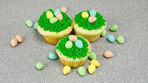 Easter Decorations On Cupcakes by Easter Cupcakes Easter Egg Nest How To By Cookies Cupcakes And