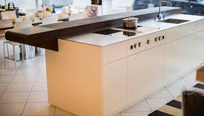 moderne kche mit kochinsel und theke moderne küche mit bar 6 ideen für eine bartheke aus holz stein