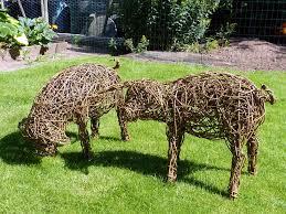 pigs willow sculpture