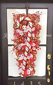 candy cane christmas door swag wreath jayne u0027s wreaths designs on
