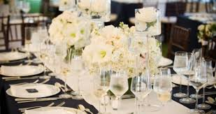 Long Table Centerpieces Decorate Your Wedding Reception In Italy Stylish Floral