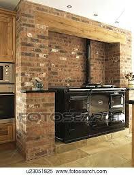 cuisine aga banque dimage noir aga four dans exposac mur brique banque