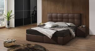 Schlafzimmer Hochglanz Braun Schlafzimmer Modern Braun Boxspringbett Ruaway Com