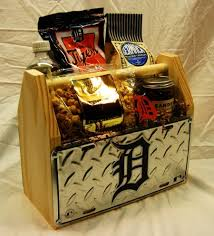 cool gift baskets detroit tigers gift basket i would to receive something like
