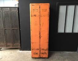 deco industrielle atelier vestiaire de style industriel riveté en métal ou en bois 1 à 10