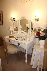 Luxury Vanity Lights Vanities Luxury Makeup Vanity Furniture Find This Pin And More