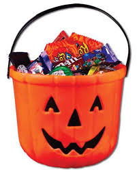 Halloween Candy Gift Basket by 31 Days Day 6 I Just Came For The Halloween Candy Snickers