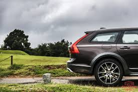 volvo test drive volvo v90 cross country review test drive throttle blips
