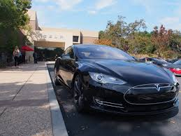 Blind Person Driving Tesla U0027s Cars Now Drive Themselves Kinda Wired