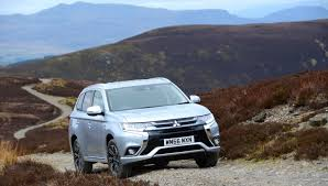 mitsubishi outlander phev 2017 review greencarguide co uk