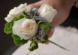 How To Make A Corsage Wristlet To Make A Corsage