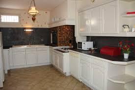 repeindre meubles cuisine enchanteur repeindre des meubles de cuisine et quelle peinture
