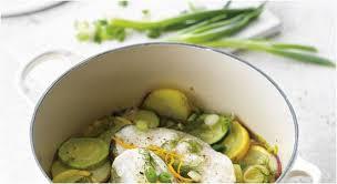 cuisine cocotte en fonte poisson en cocotte apprendre à faire la cuisine