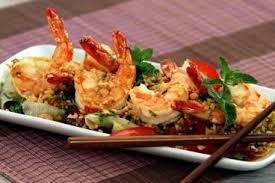 cuisiner crevette recette de salade de crevettes à la thaï facile
