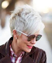 2018 latest short hairstyles for older women