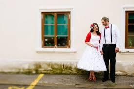 fun pin up polka dot wedding in croatia weddingomania