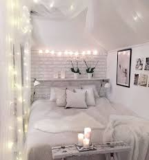 Maximize Space Small Bedroom by Best 10 Space Saving Bedroom Ideas On Pinterest Space Saving