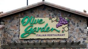 olive garden family olive garden owner drops after same store sales miss