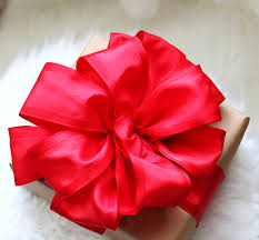 gift wrap bows wrap it up how to make the bow and gift wrapping ideas
