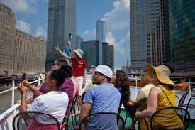 Architectural River Cruise A History Of The Chicago Architecture Foundation River Cruise